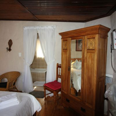 honeymoon-suite-sleeping-area