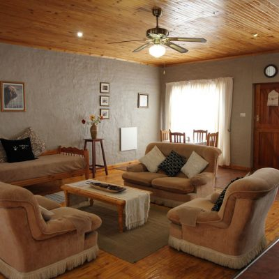 living-room-area-baroe-guest-house