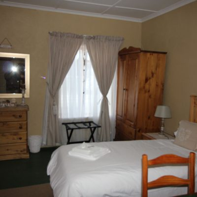 single-bed-doekvoet-guest-house